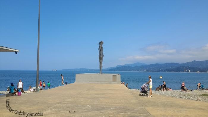 Nino ve Ali heykeli