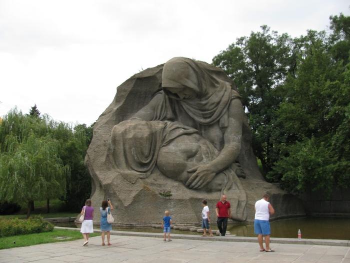 Mamayev tepesi  heykelleri