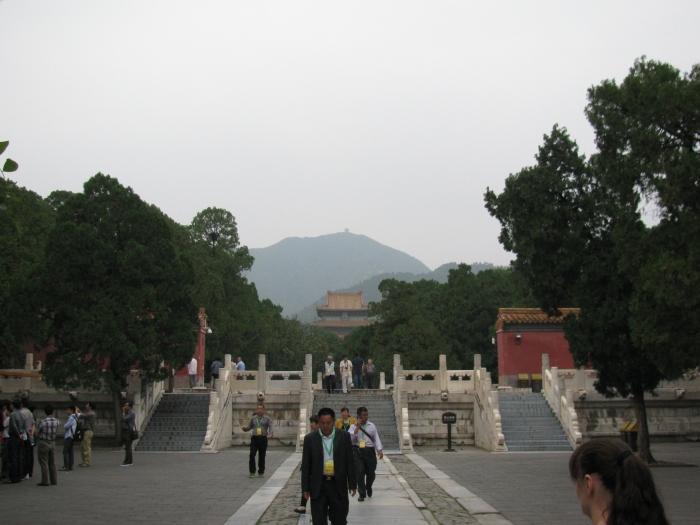 Mezar girişi
