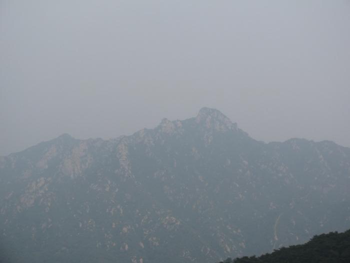 Benim anlamadığım bu heybetli dağları aşan Moğol ordusu bu 20 mtlik sete nasıl takılmış