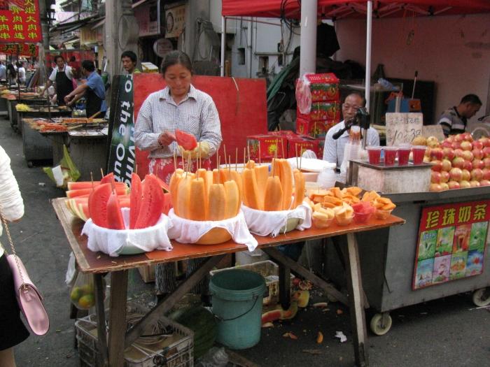 Çinde en çok yediğim şey çöpte kavun karpuz