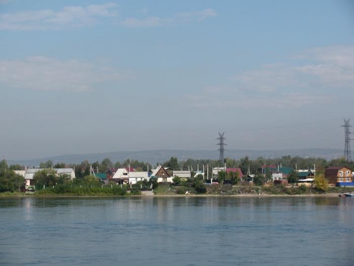 Angara nehri. Kokusuyla havasıyla boğaza çok benziyor