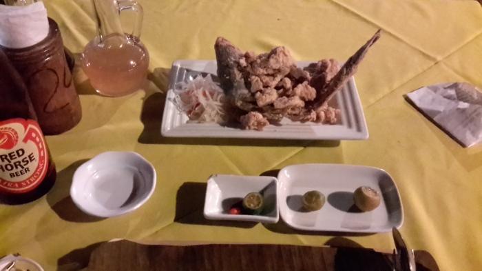 Balığa bak limona bak. Sağdaki ikisini ben sonradan istedim. Balık süperdi