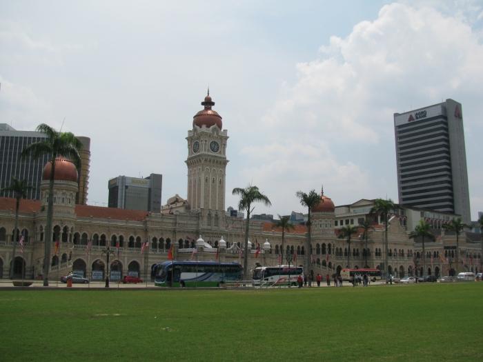 Sultan Abdul Samad Binası ve Merdeka Meydanı