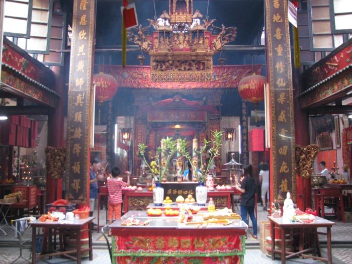 Chan See Shue Yuen Tapınağı ( içeriyi meyve sebze haline çevirmişler)