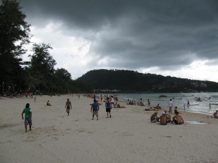 Kara bulutlar toplandı yine