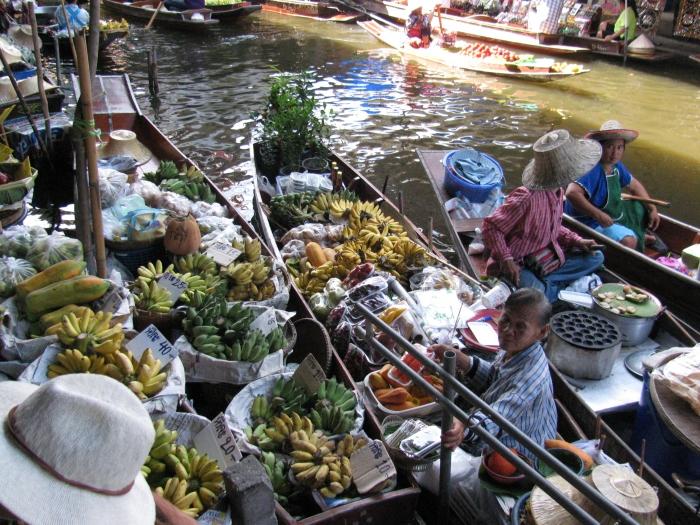Yüzen market