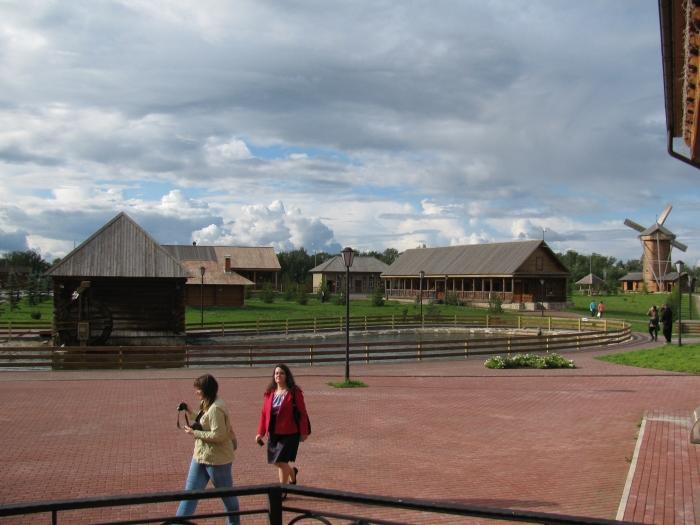 Müze içerisindeki o dönemde kalan çiftçi evleri
