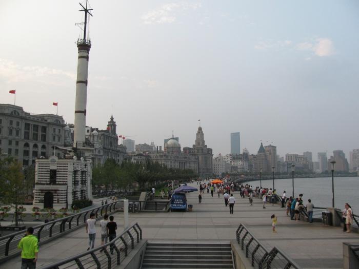 Çin Şanghay'da Bund gezi yolu