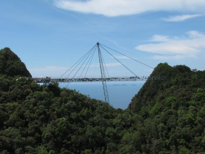 Malezya Langkawi adasında gökyüzü yolu