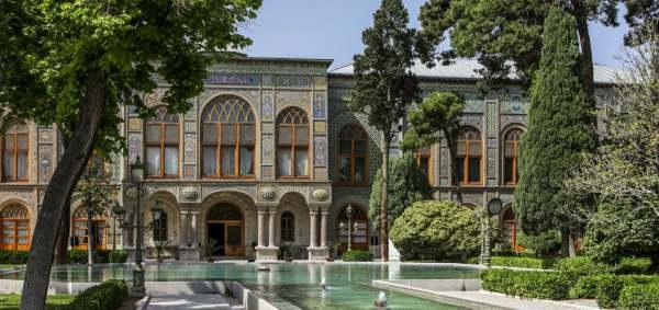 golestan-palace-tehran.iran-traveling-center-1
